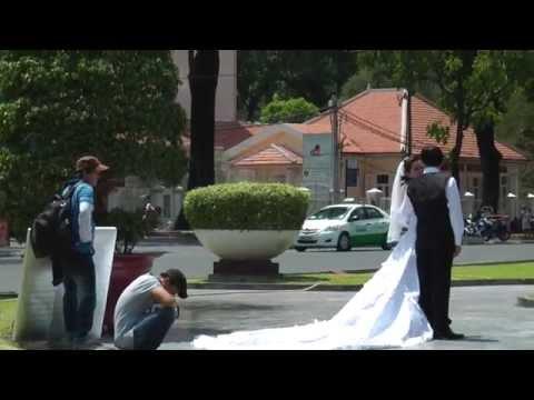 ชุดแต่งงานของชาวเวียดนาม (Wedding dress in Vietnam)