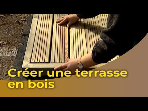 la pose d 39 une terrasse et d 39 une pergola en bois youtube. Black Bedroom Furniture Sets. Home Design Ideas
