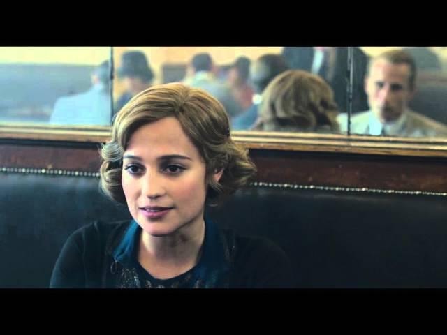 """Danish Girl / Extrait """"Rencontre Au Bar """" VF [Au cinéma le 20 janvier 2016]"""