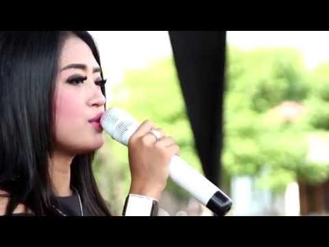 Demi Cinta -  Triia Aulia - Arnika Jaya Live Muarareja Tegal