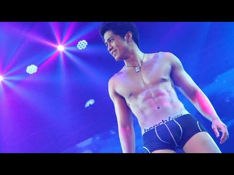Aljur Abrenica at the Bench Universe Fashion Show<a href='/yt-w/TUrZBvimFJU/aljur-abrenica-at-the-bench-universe-fashion-show.html' target='_blank' title='Play' onclick='reloadPage();'>   <span class='button' style='color: #fff'> Watch Video</a></span>