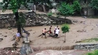 AMAZING Monster Flash Flood Caught On Camera ✔P8