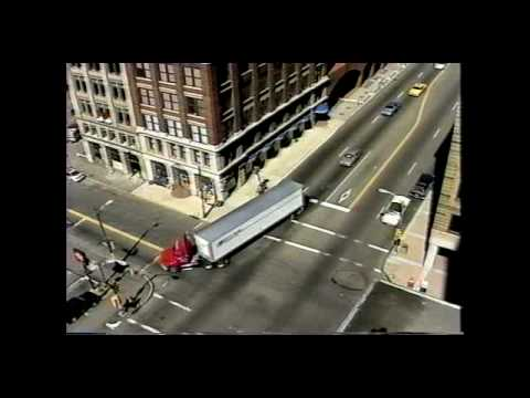 Truck Drivers Safety Tips For Making Right Turns Youtube