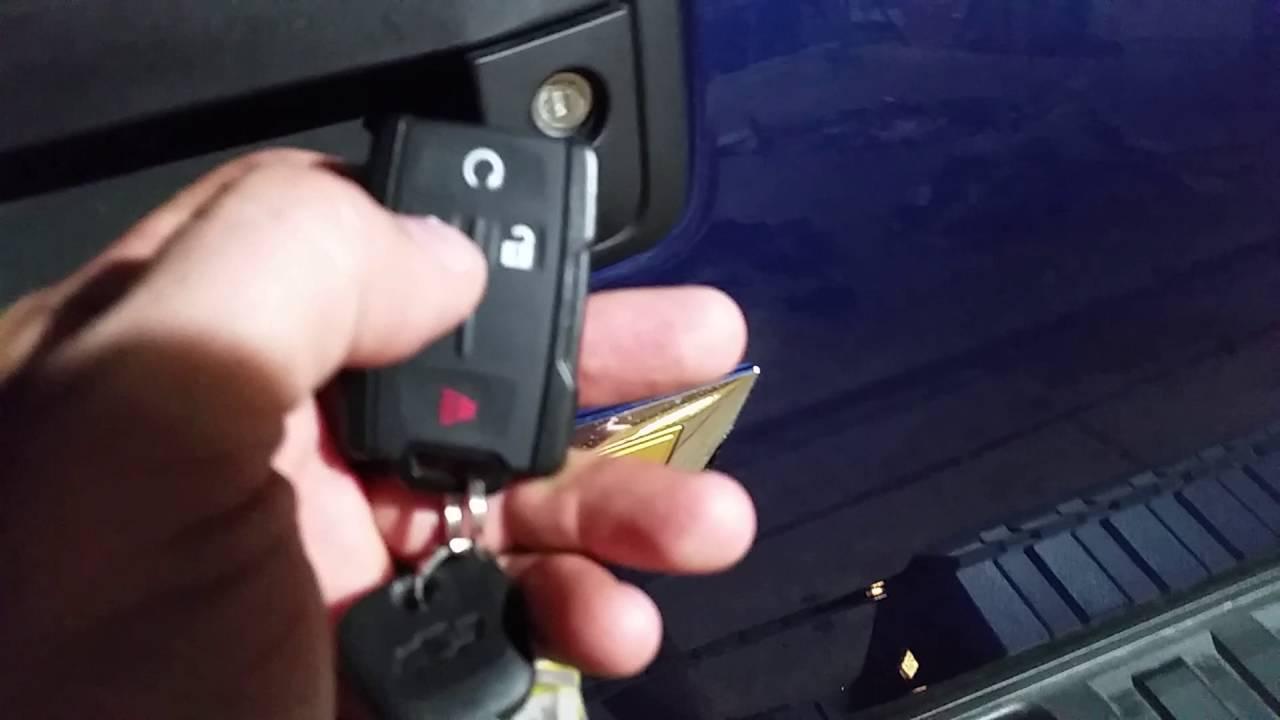 2017 Chevy Silverado Power Remote Locking Tailgate Youtube