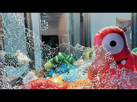 What's inside a Claw Machine?