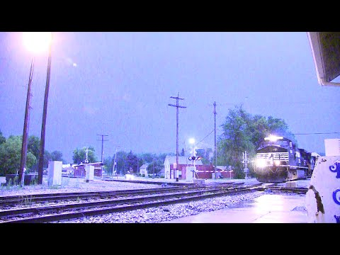 Norfolk Southern Meet in a Thunderstorm!