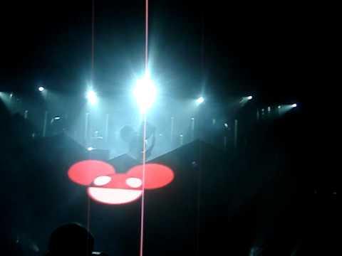 Deadmau5 - Ghosts n Stuff/Moar Ghosts n Whatever live