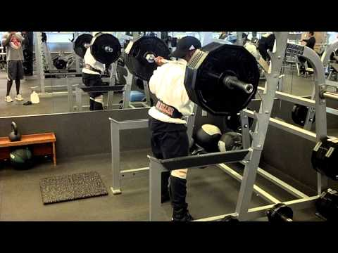 GIANT KILLER SQUATS 405 FOR 20 REPS!