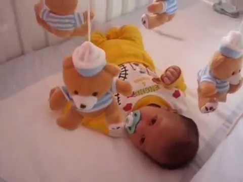 Móbile acalma o bebê?