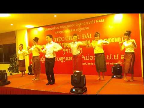 Co gai Sam Nua Laos Traditional Dance By Laos Students At Quang Binh University