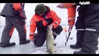 صيد السمك في البحيرات المتجمدة في النرويج مراسلون