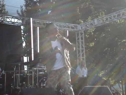 Lupe Fiasco - Run This Town and Go Go Gadget Flow Live Cal State Northridge