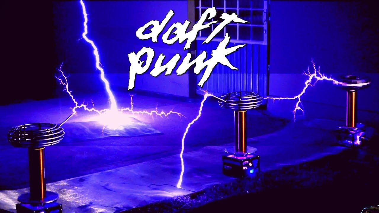 DAFT PUNK - Get Lucky on TESLA COIL QUARTET