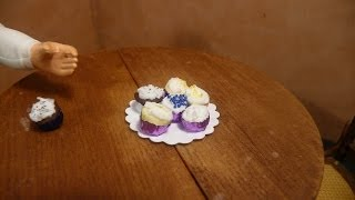 Dollhouse Miniature Cupcakes