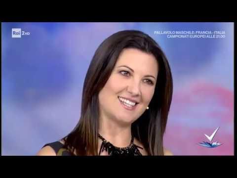 Giovanna Civitillo - Ve lo tengo stretto! - Detto Fatto 24/09/2019