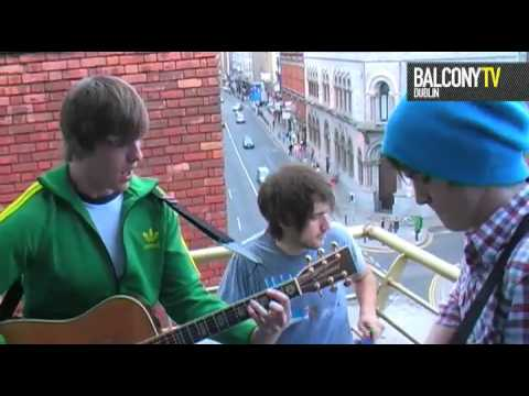 FOX AVENUE - SAVE YOUR DREAMING (BalconyTV)