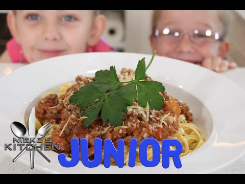 Spaghetti Bolognese | Nicko's Kitchen Junior