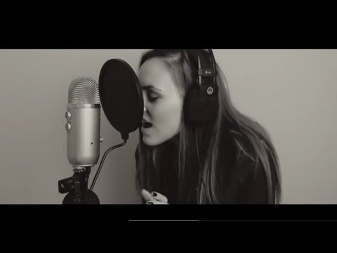 SUNDAY MORNING (acoustic cover) | Lizzy Hodgins