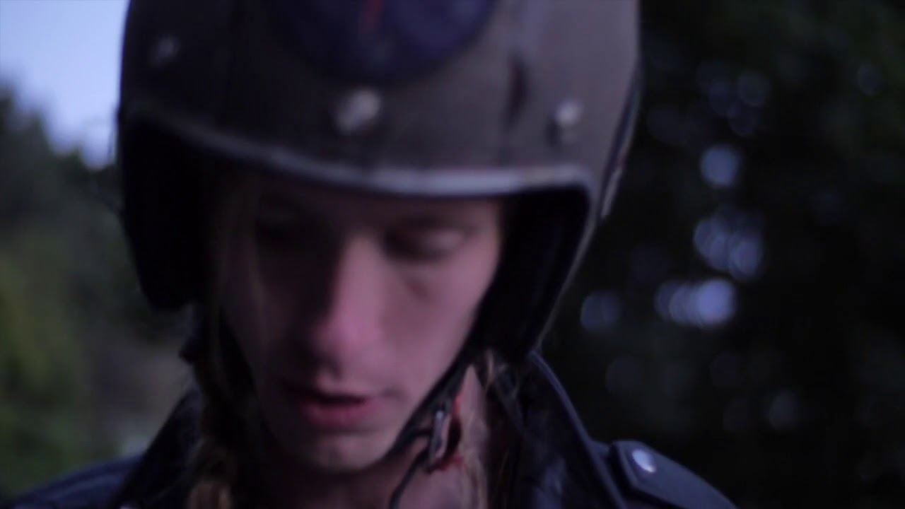 video: Hannah Epperson - Circles (Iris)