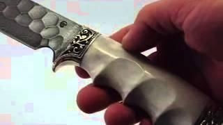 Охотничий нож из дамасской стали и рукояткой из кости(knife-klinok.ru., 2014-06-18T18:42:56.000Z)