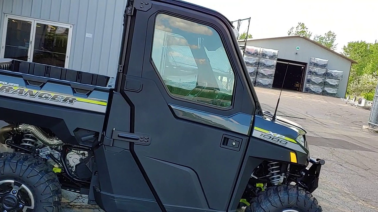 2019 Polaris Industries RANGER XP 1000 EPS NorthStar Ride Command - Gray
