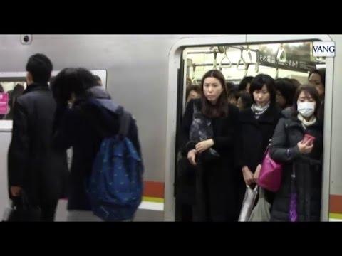 Guerra a los acosadores en el metro de Tokio