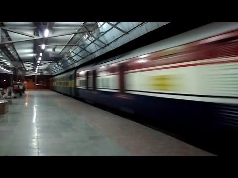 120 kmph - 22406 Bhagalpur Garib Rath Express Ripping Fatehpur @ MPS !!