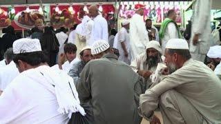 Stessi abiti per i pellegrini della Mecca, ma il lusso per pochi
