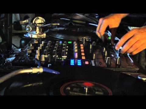 Daft Punk - Solar Sailer (Pretty Lights Vs Delphinus Black Hole Remix) Tron Legacy