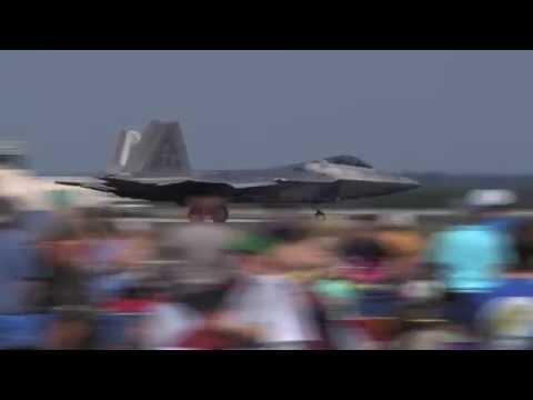 Insane F-22 Raptor Performs at NAS Jax Air Show!
