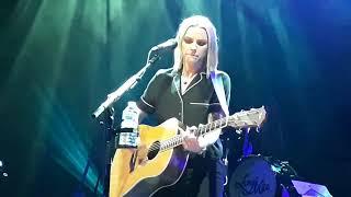 "Amy Macdonald ""Left That Body Long Ago"" Live Bruxelles 2019"