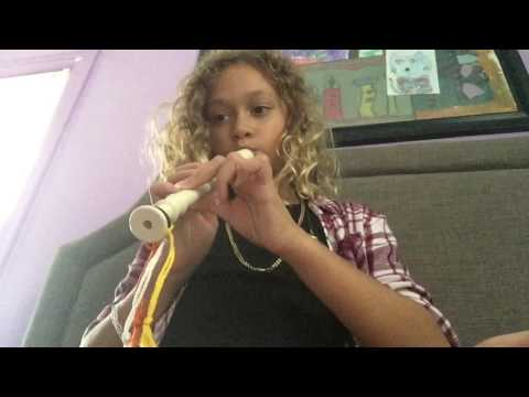 How to play it's raining on a recorder