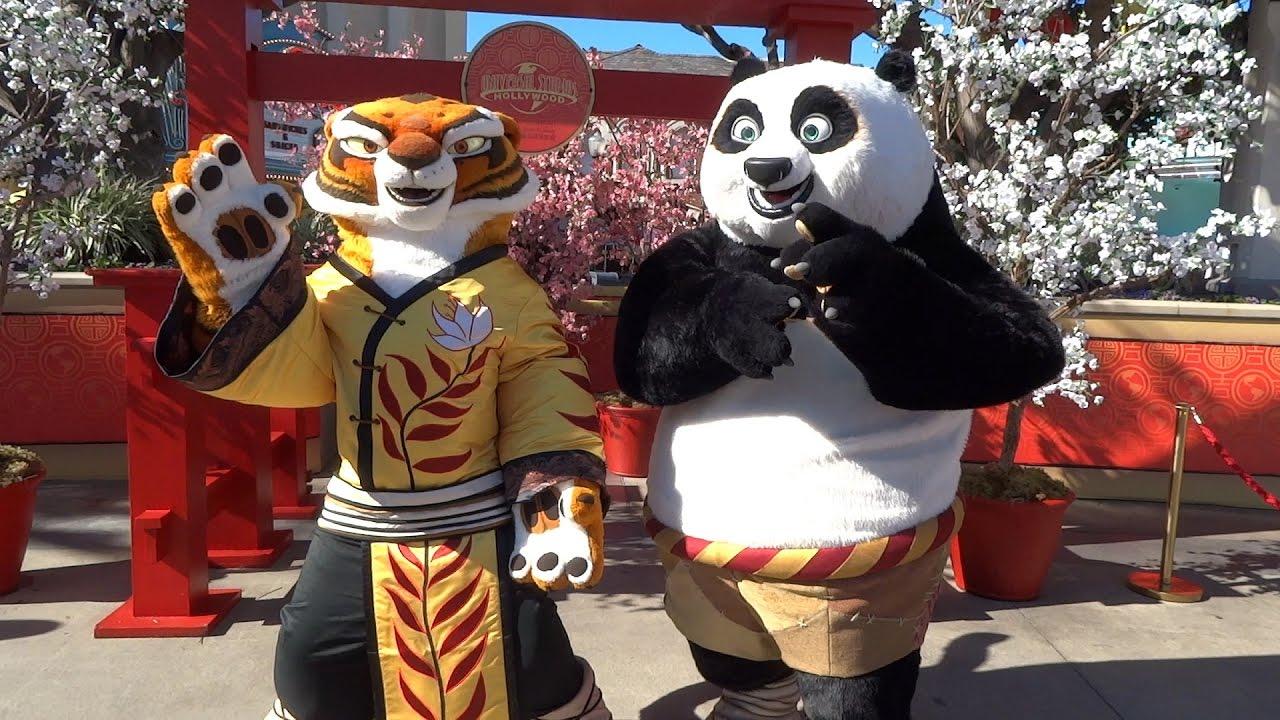 Kung Fu Panda Po And Tigress Meet And Greet During Lunar New Year At Universal Studios Hollywood Youtube