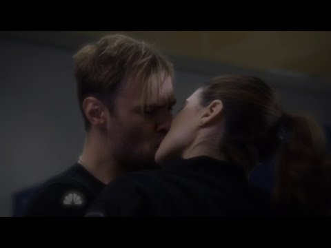 Chicago P.D. 2x17 Kim Burgess and Adam Ruzek Hot Make Out Scene