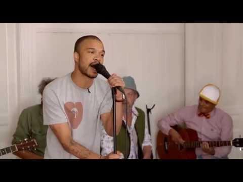 Shaka Loveless synger 'Når lyset bryder frem' – Toppen af poppen
