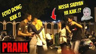 KAMU NISSA SABYAN YA?! Unexpected reaction | Prank Indonesia