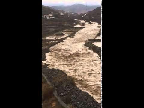 أمطار وسيول يوم الجمعة ٢٣/ ٦ /١٤٣٧هـ وادي بدوة محافظة النماص