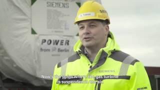 بالفيديو والصور- لحظة شحن توربينات ألمانية عملاقة لتوليد الكهرباء في مصر
