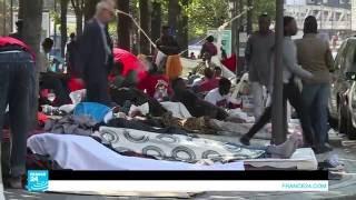 عشرات الخيم لمهاجرين غير شرعيين بين محطتي مترو في باريس