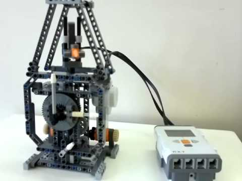 Lego Mindstorms NXT 2.0 - Classic Clock - YouTube