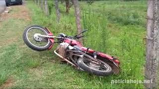 Carro colide em motociclista e foge do local do acidente, em Caçador