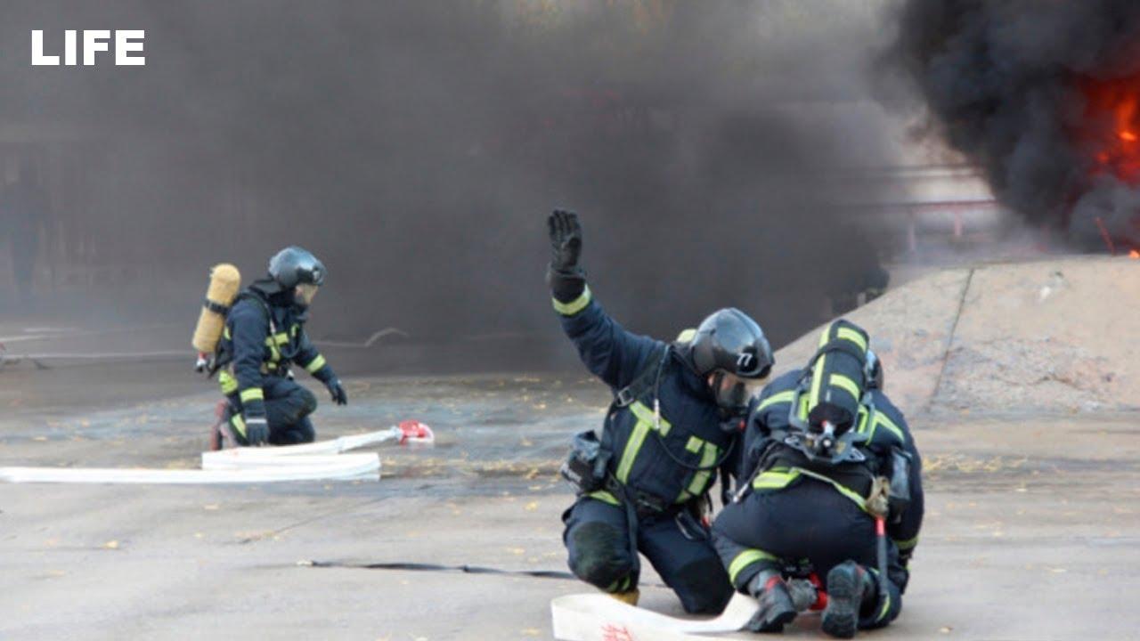 Масштабные учения спасателей-добровольцев проходят в Подмосковье
