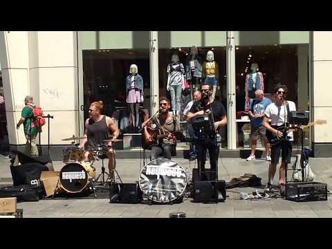 IRISH STREET BAND IN LIVERPOOL CITY | KEYWEST BAND | LIVE STREET MUSIC