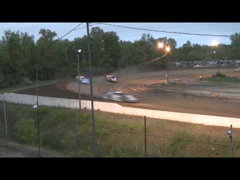 mt. pleasant speedway 5-27-11  LATE MODEL HEATS  1 , 2  , and 3  in 1 video