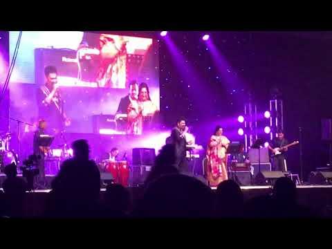 Kumar Sanu & Anuradha Paudwal live sydney - Tuje dekha to ye jaana sanam