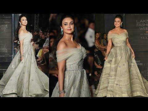 Preity Zinta Hot Ramp Walk | Lakme Fashion Week 2017 | Wardrobe | Photoshoot |