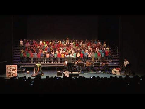 Allà a Mataró hi havia un tramvia (cantata completa) on YouTube