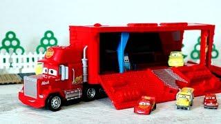 Тачки - Игрушечные машинки. Трейлер грузовик Мак. Игрушки из мультфильмов