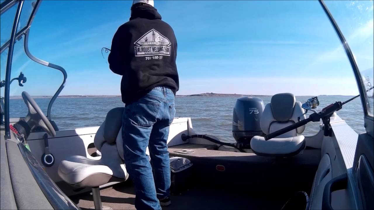 Tobacco Gardens 2016 White B North Dakota Lake Sakakawea - YouTube