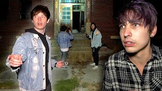 Exploring an ABANDONED High School in a Ghost Town